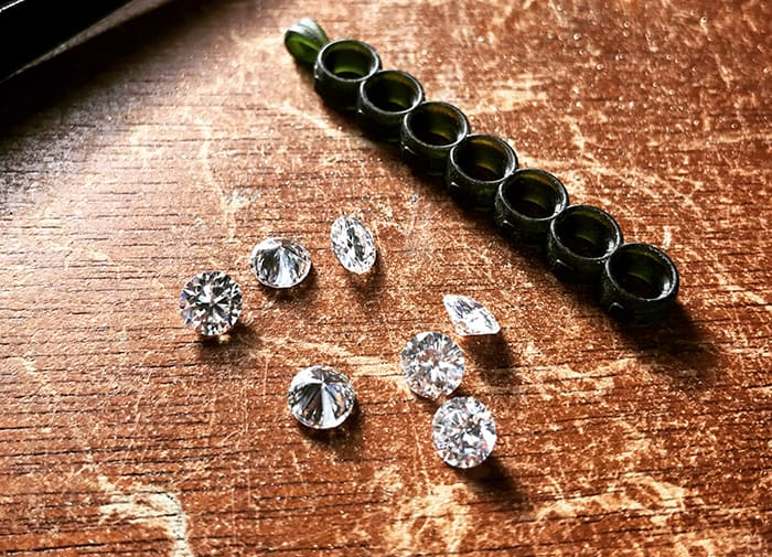 Moissanite vs. Diamond – Can You Tell the Difference?